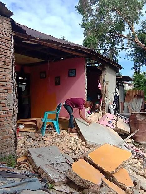 Vaurioitunut rakennus Ambonissa.