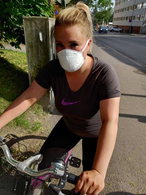 Kasvomaski pääsi todelliseen hiostavuustestiin lämpimänä päivänä pyöräillessä.