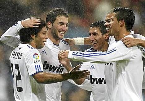Real Madridin Gonzalo Higuain, Angel Di Maria, Marcelo, Pepe Ja Cristiano Ronaldo juhlivat.