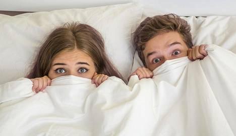 Suomalaisnuoret aloittavat seksielämän keskimäärin 17-vuotiaina.