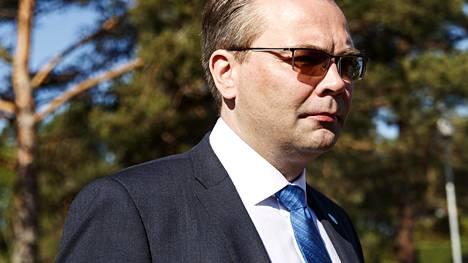 Puolustusministeri Jussi Niinistö harmittelee sitä, että Krimin valtauksen jälkeen EU-maan ja Venäjän puolustusministerien väliset vierailut eivät ole olleet sallittuja.