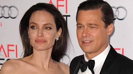Angelina Jolie haki avioeroa yksin vuonna 2016. Nyt avioero on astunut voimaan.