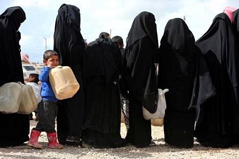Oloja al-Holissa on kuvattu kurjiksi ja vaarallisiksi.