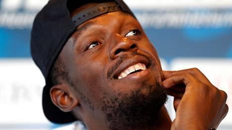 Ei merkkejä paineista. Usain Bolt naureskeli leppoisasti Monacon Timanttiliigan alla pitämässään lehdistötilaisuudessa keskiviikkona.