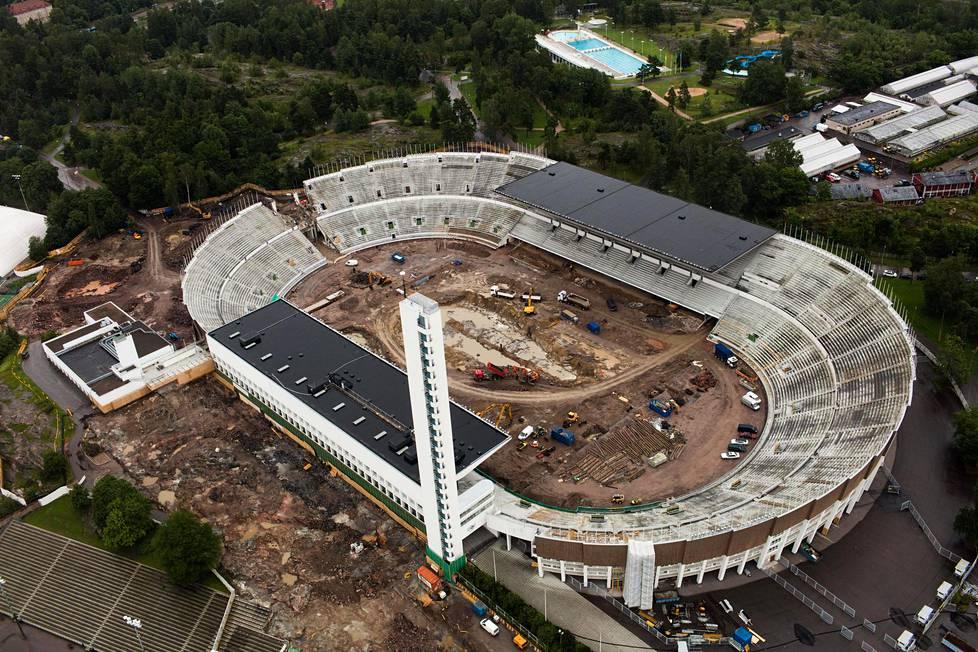 Erkki Virtasen mukaan Olympiastadion ja Länsimetro ovat hyviä esimerkkejä tapauksista, joissa budjetit esitettiin alussa tietoisesti tai tietämättä alimittaisiksi.
