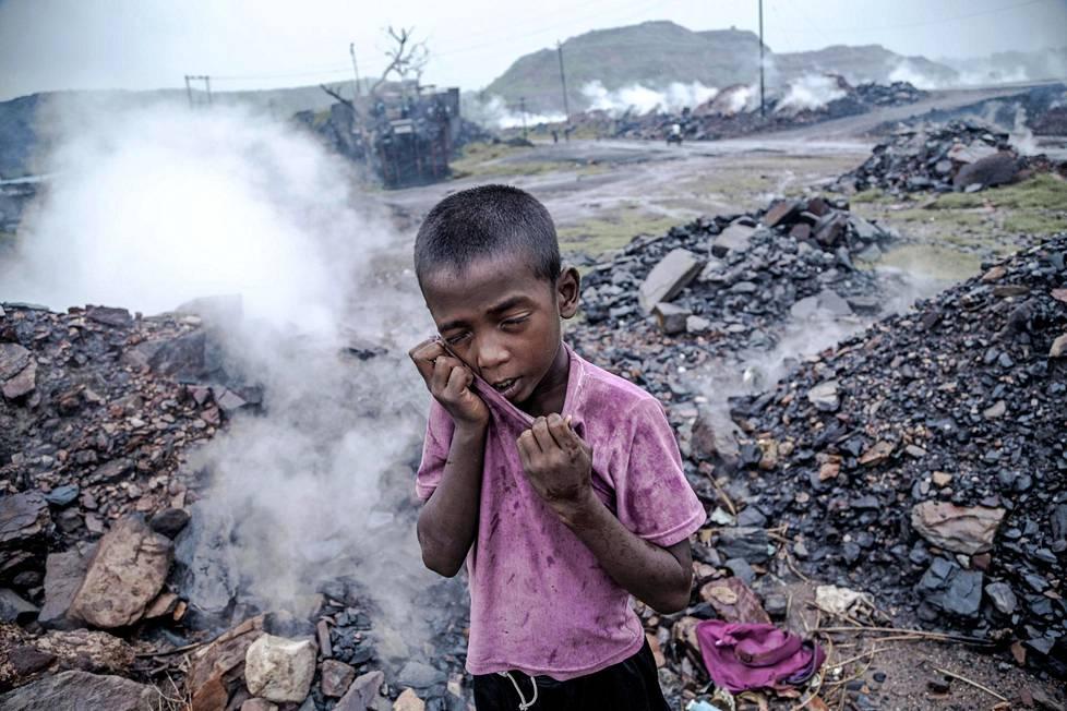 Jharian kaivoksilla kytee maanalaisia paloja koko ajan. Ne saastuttavat paitsi keuhkoja myös ympäristöä.