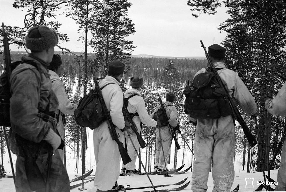 Talvella kaukopartiot hiihtivät satojen kilometrien matkoja.
