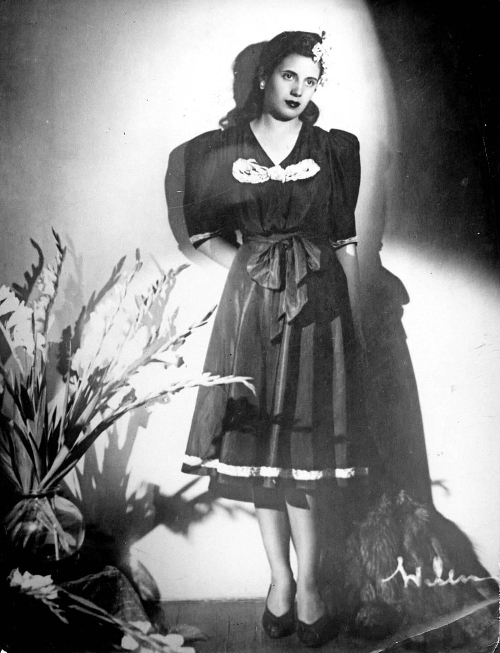 19-vuotias Eva Duarte.