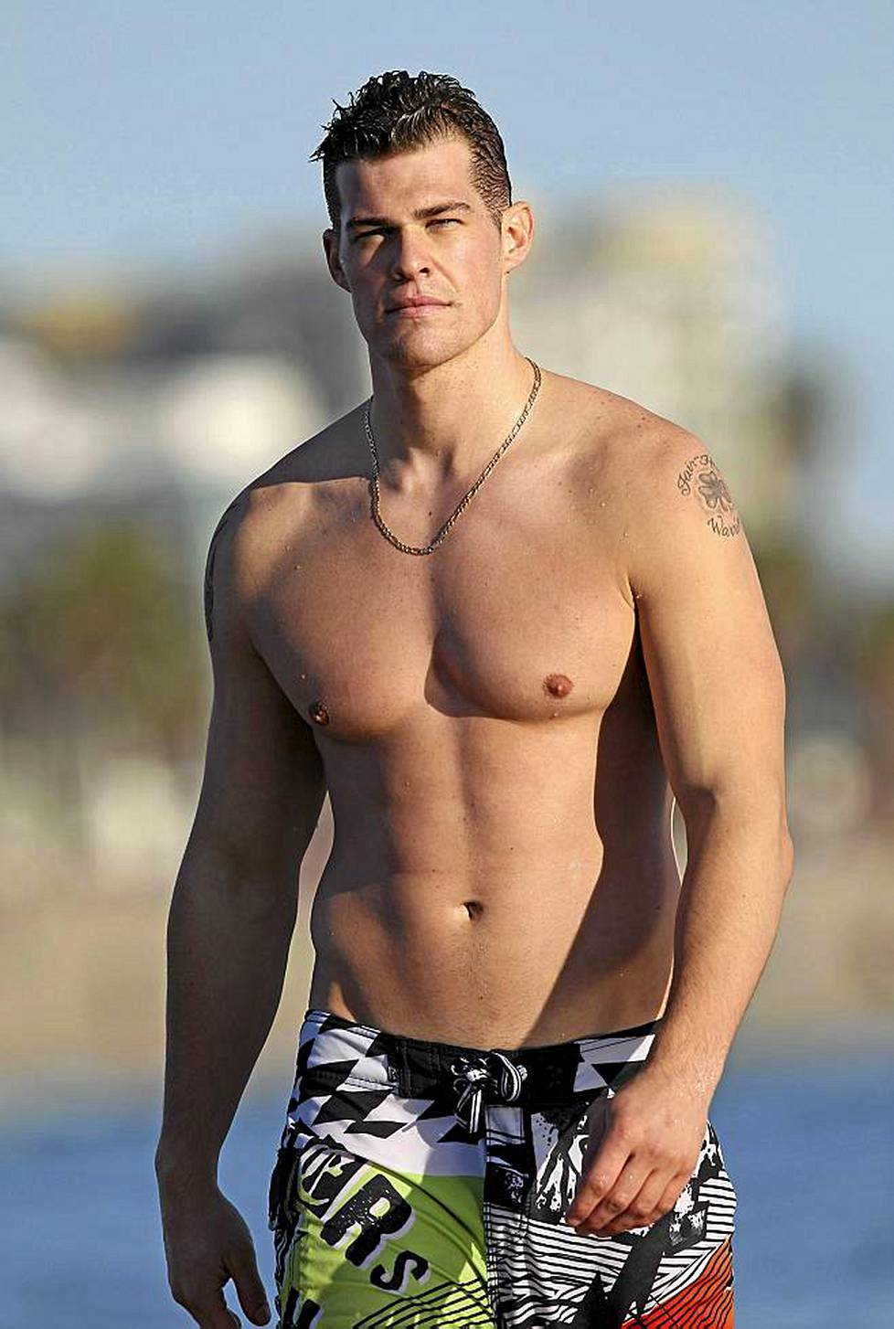 Greg Finley näyttelee sarjassa The Secret Life of the American Teenager.