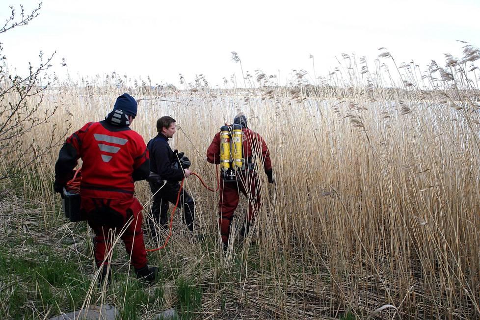 Inkisen etsintöihin osallistui viranomaisten lisäksi lähes sata vapaaehtoista.