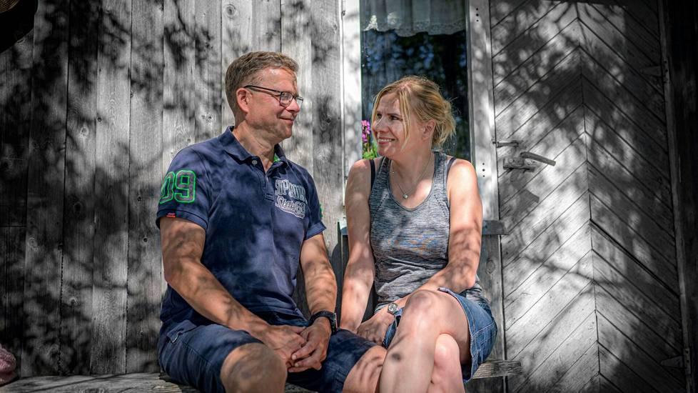 Petteri Orpon vaimo Niina on syntyisin Puolangalta. Mökki on vaimon perheen peruja.