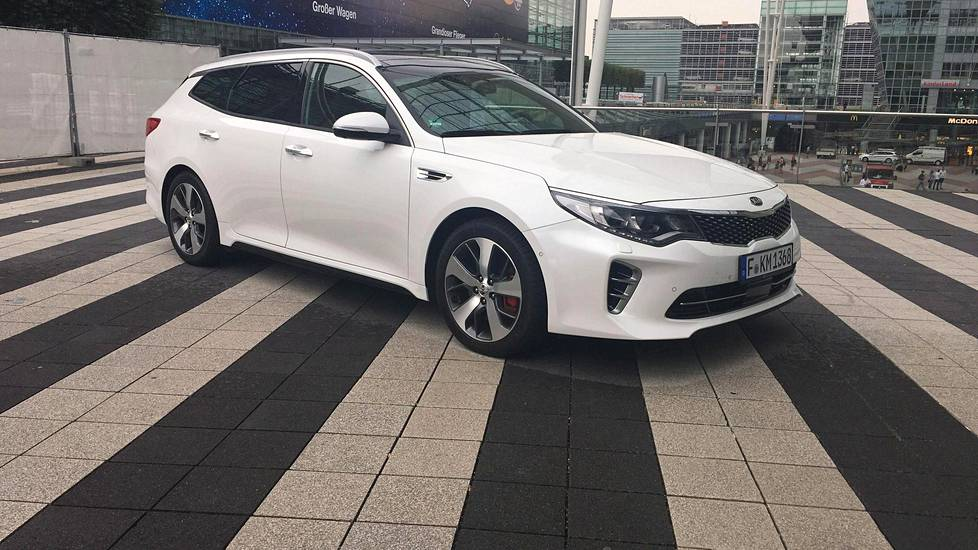 Kia Optima Sportswagon 2017.