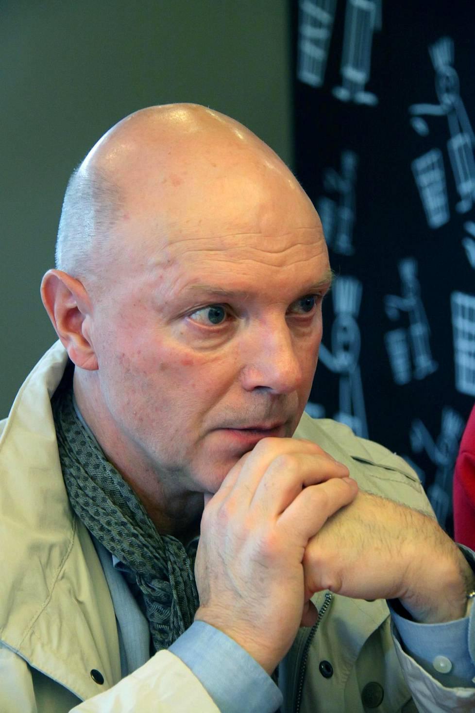 Lokomotivin suomalainen maalivahtivalmentaja Jorma Valtonen ei sattuman oikusta ollut turmakoneessa.