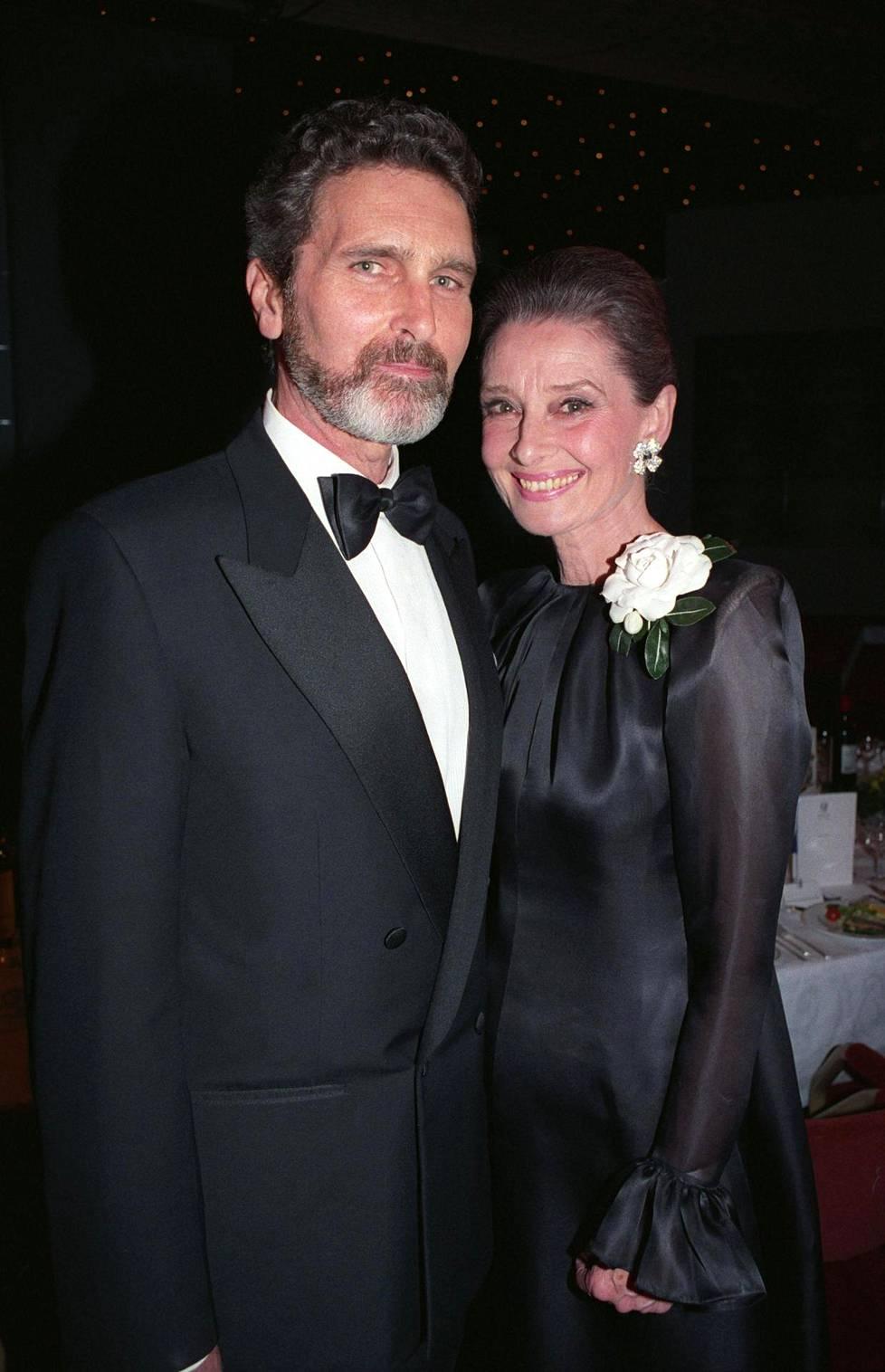 Robert Wolders tapasi Audrey Hepburnin vuonna 1980. Tosirakkaus kesti näyttelijätähden kuolemaan saakka.