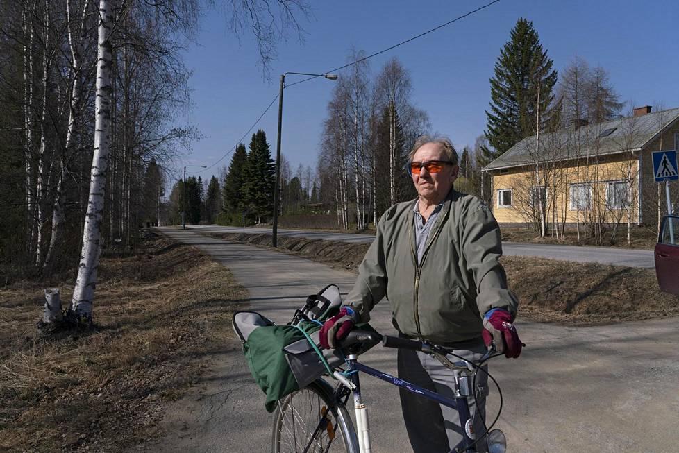 – Ruotanen oli ennen iso kylä. Oli kolme pankkia, kauppoja saman verran, apteekkeja ja kaikkea, kertoo Pertti Laitala, 73.