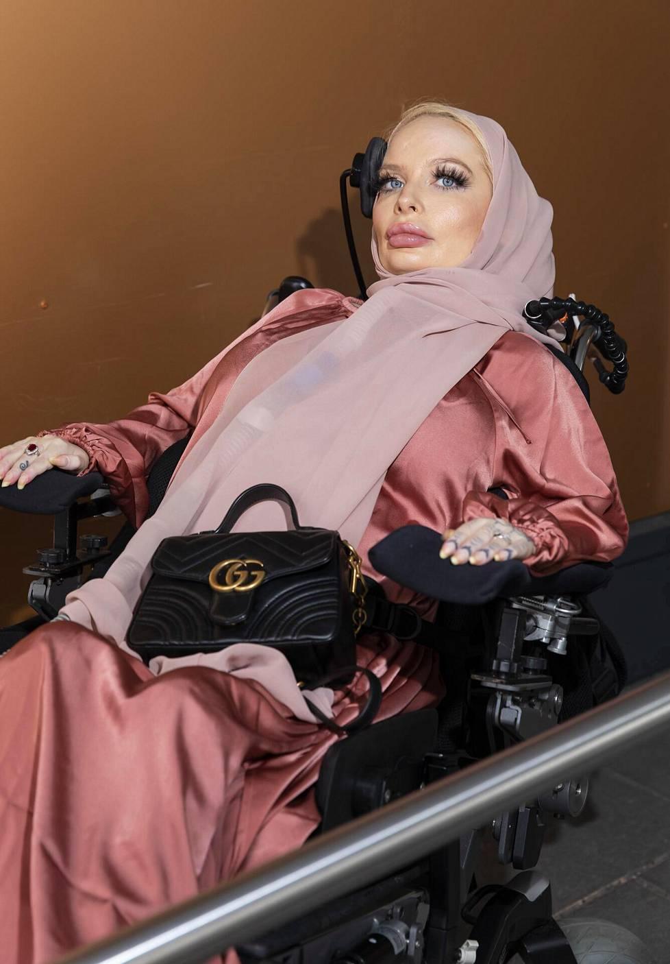 Jasmin Taybi (os. Koskiranta) odottaa vauvaa, jonka laskettu aika on heinäkuussa.