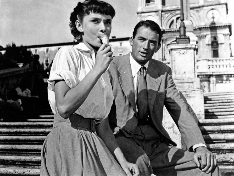 Gregory Peck ymmärsi Loma Roomassa -elokuvan kuvauksissa uuden supertähden syttyneen.