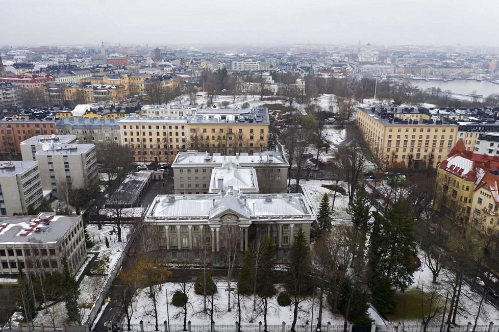 Neuvostoliiton suurlähetystöstä Tehtaankadulla tuli 1990-luvulla Venäjän suurlähetystö.