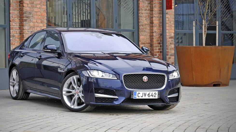Jaguar XF on yksi myyntivetureista.