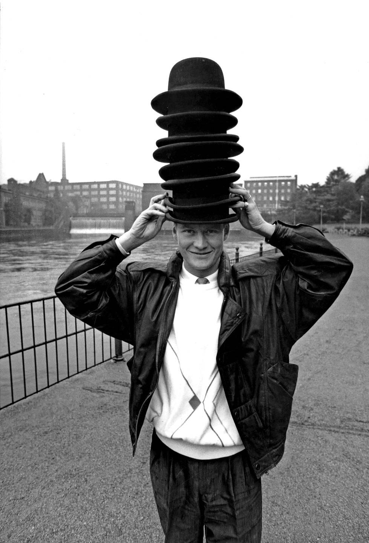 Maalitykki Hjelmille kertyi pelaajauran aikana hattutemppuja. Kuva vuodelta 1987.