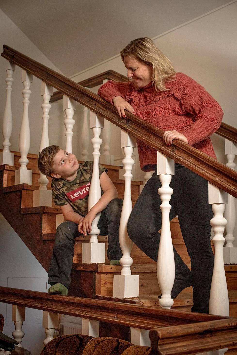 Etätöiden teko Sysmän-kodista käsin mahdollistaa enemmän aikaa perheen kanssa.
