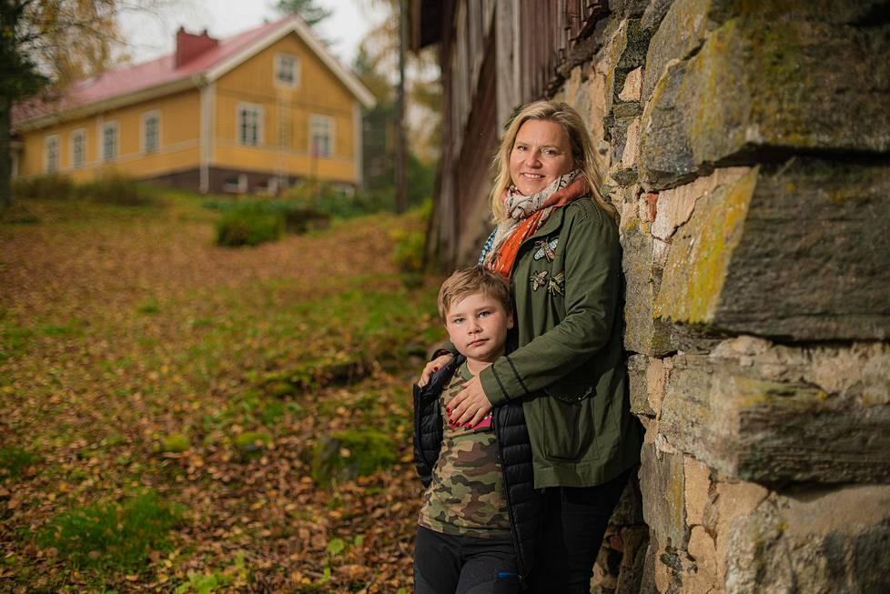 Viime keväänä Riikka-Maria Lemminki muutti poikansa kanssa Sysmässä sijaitsevaan kakkosasuuntoonsa.