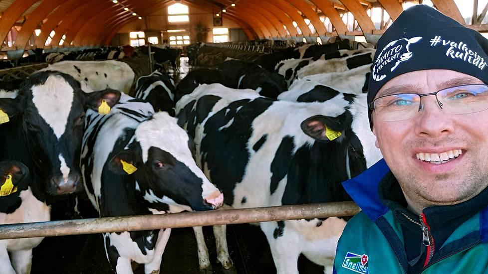 Viinamäen Farmi tuottaa lihansa pietarsaarelaiselle perheyritykselle Snellmanille. Timo Viinamäki pyörittää yhdistelmätuotantotilaa.