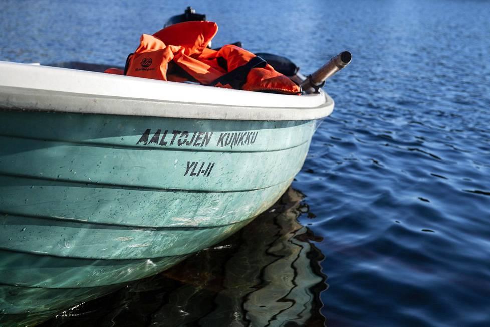 """Jakun koululaiset ovat äänestäneet veneelle nimeksi """"Aaltojen kunkku""""."""