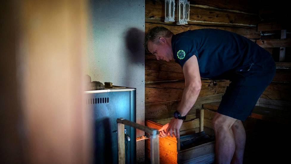 Sauna lämpiämään!