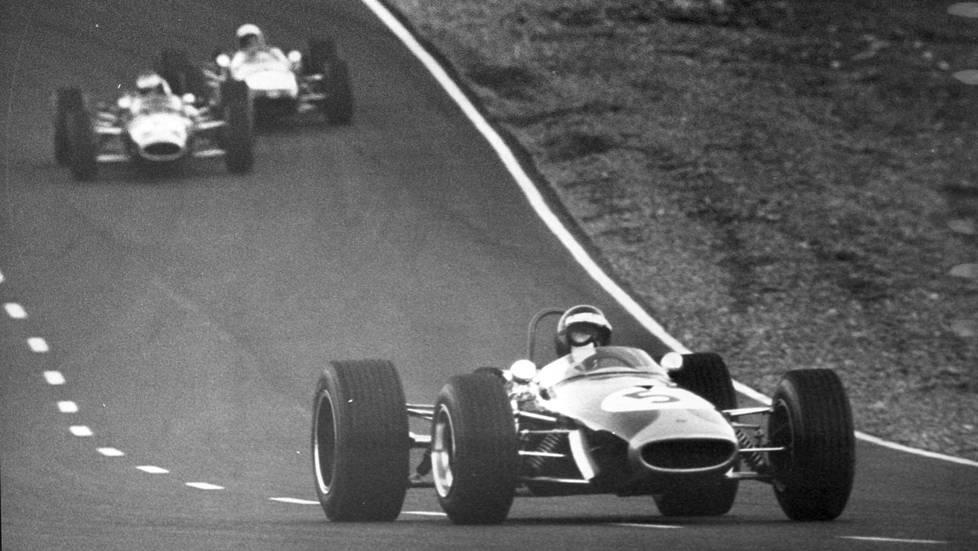 Numerolla 5 ajava Jochen Rindt Ahveniston ajoissa syyskuussa 1967.