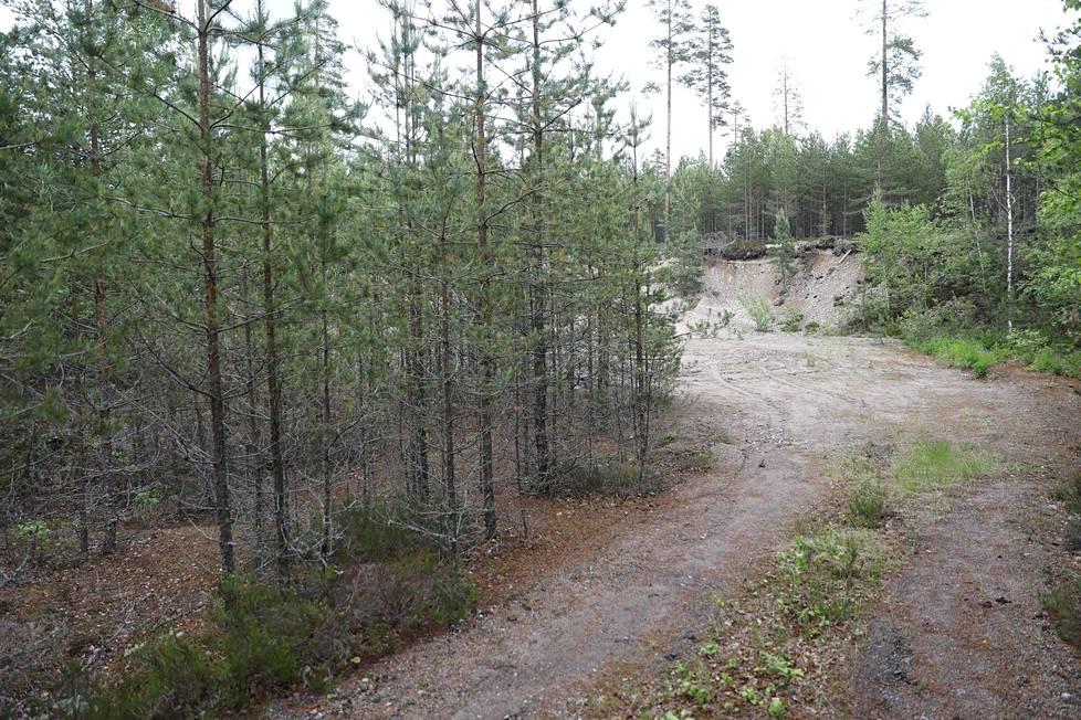 Tuula Lukkarisen ruumiin löytöpaikan lähistöllä on useita hiekkakuoppia.
