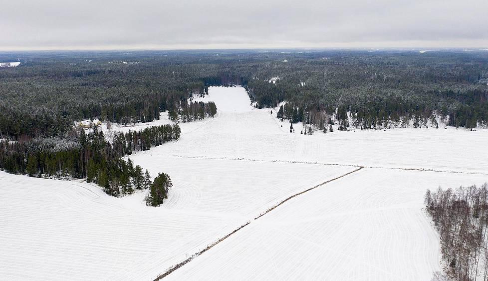 Kiitorata kulki pohjoiseen päin. Nyt paikalla näkyy vain lumista peltomaisemaa.