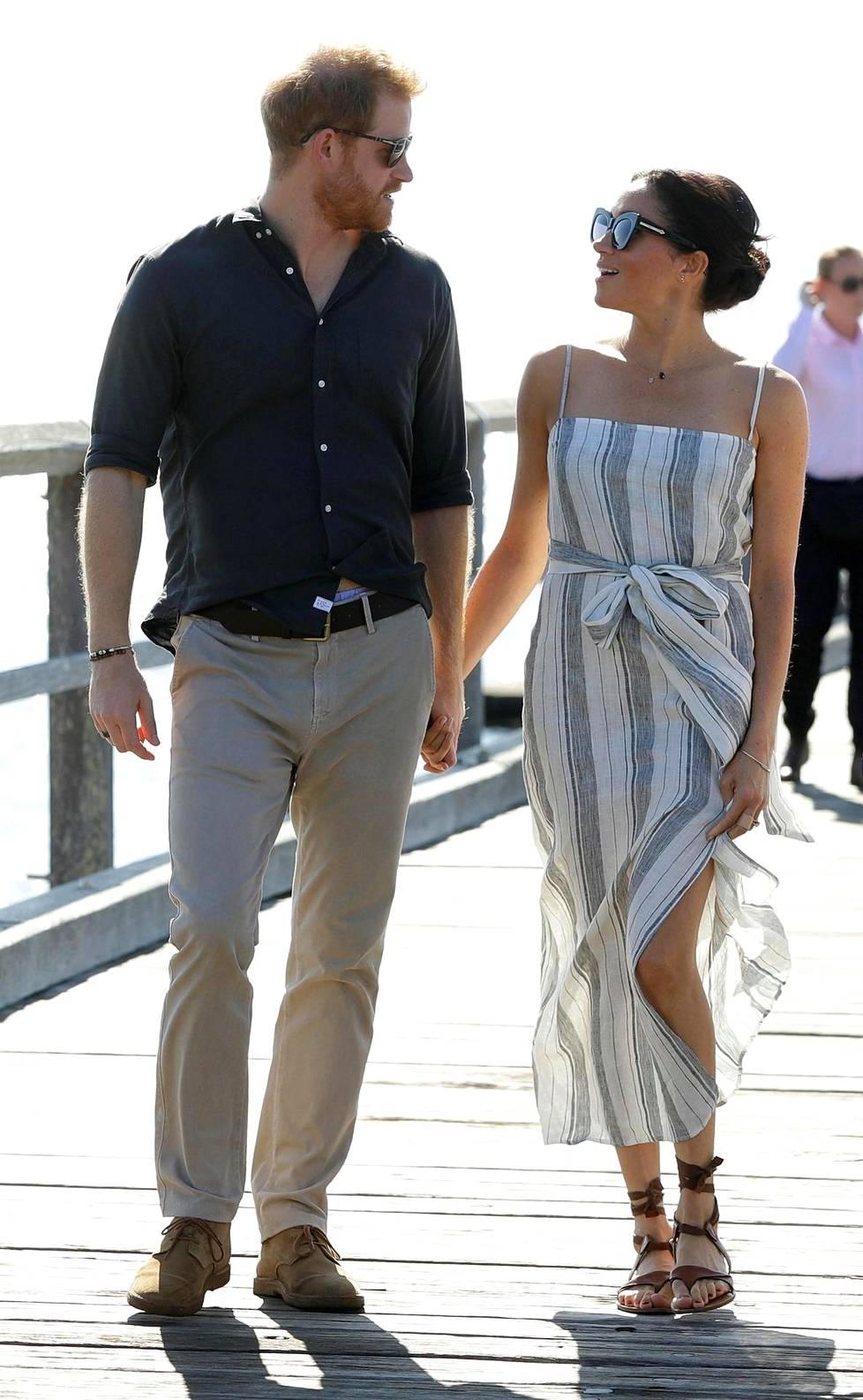 Meghan ja Harry Oseanian edustusmatkallaan juuri raskauden julkistamisen jälkeen.