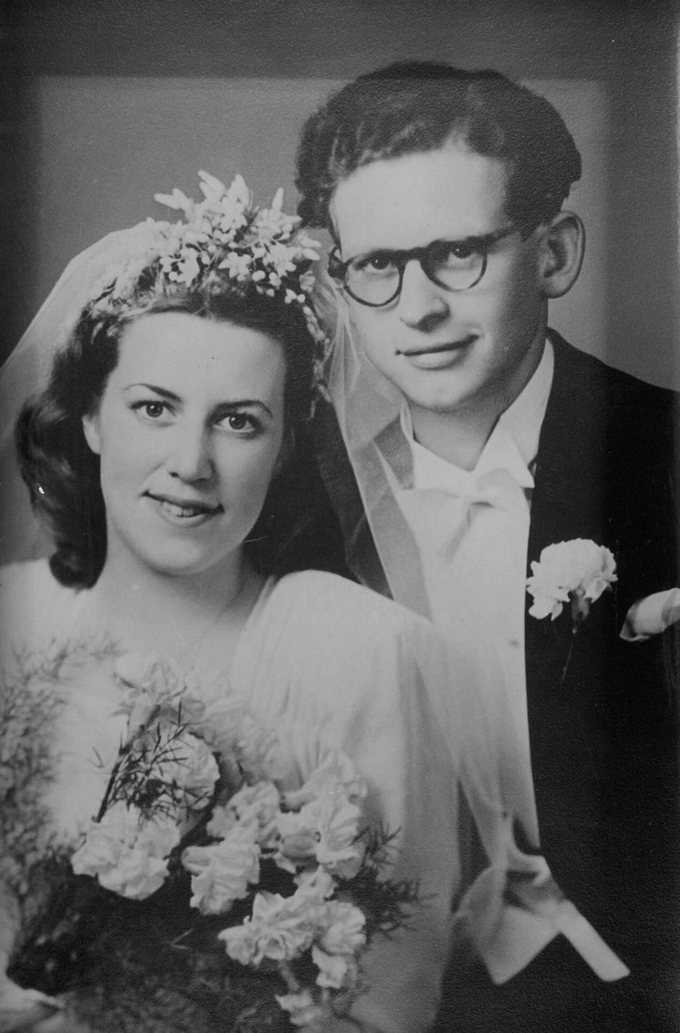 Esko ja Terttu vihittiin 40-luvun lopussa.
