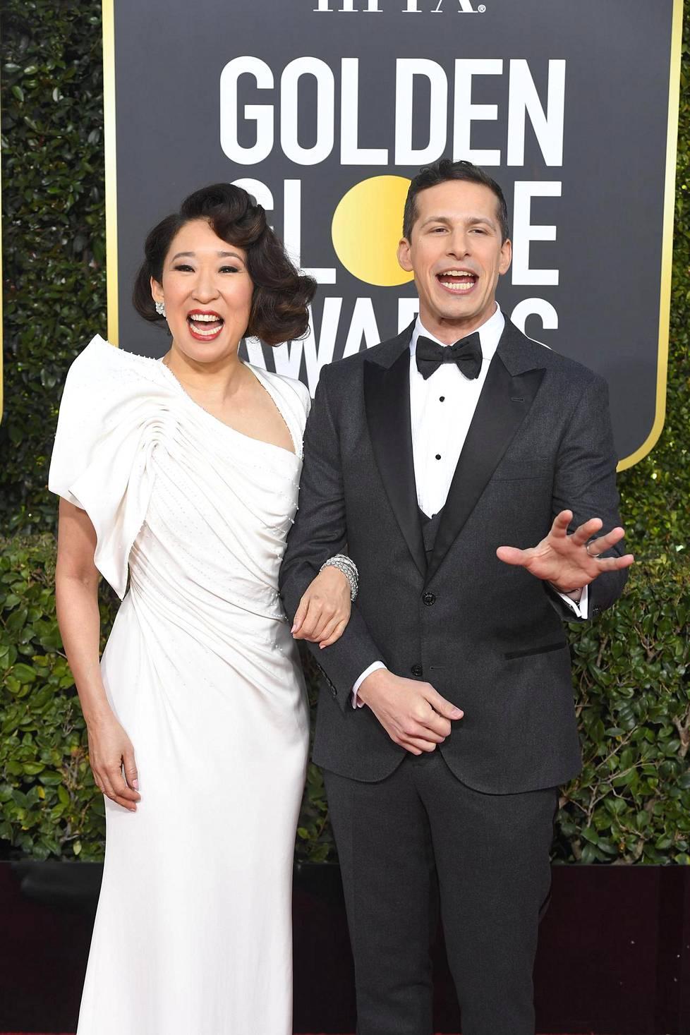 Sandra Oh ja Andy Samberg juonsivat Golden Globe -gaalan.