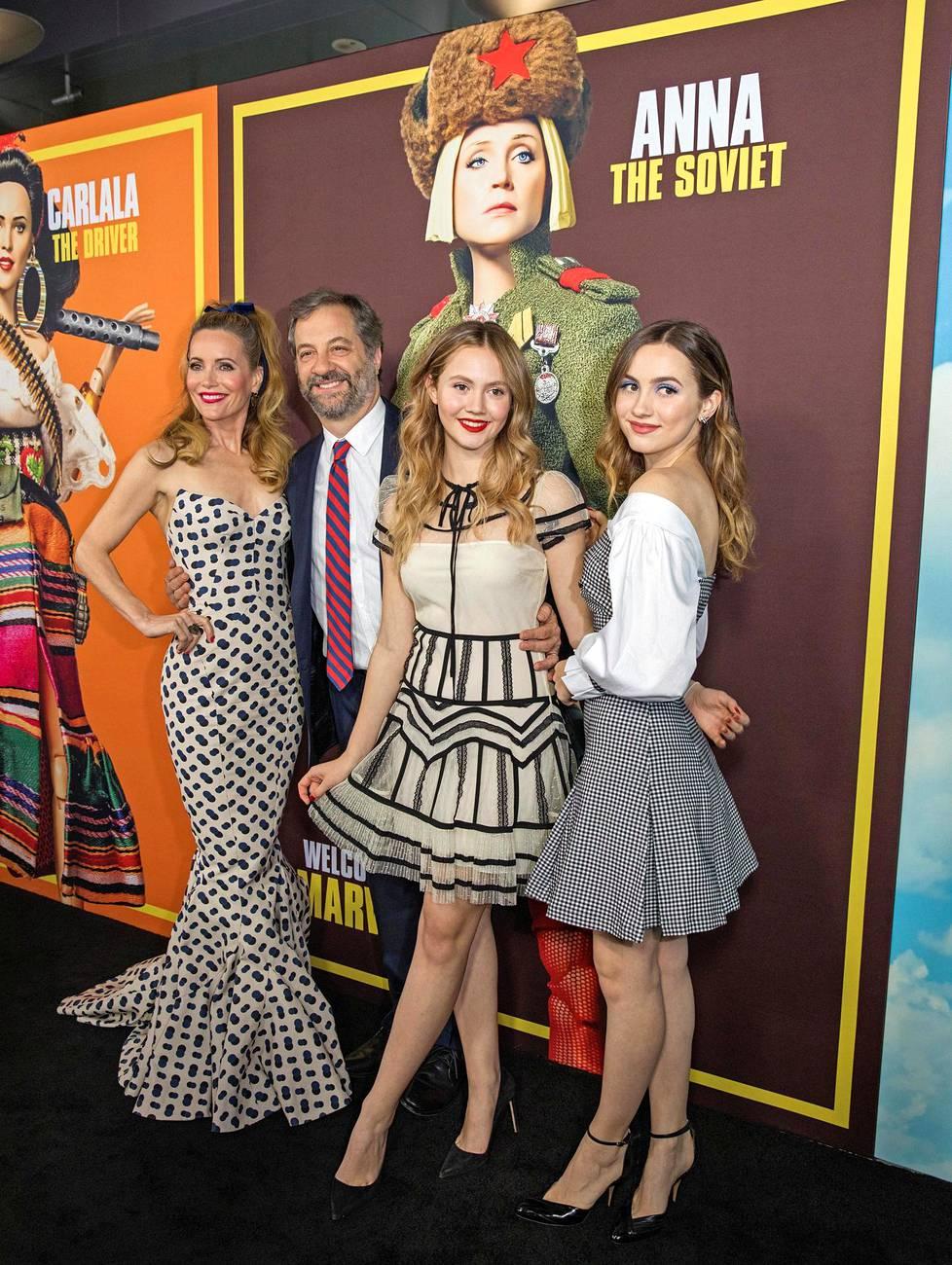 Leslie Mann perheensä kanssa joulukuussa 2018. Myös tyttäret luovat uraa näyttelijöinä.