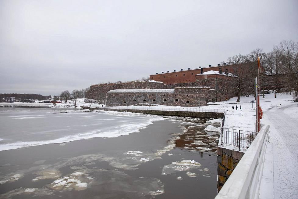 Unescon maailmanperintölistalle kuuluva Suomenlinna on mainio viikonloppukohde.