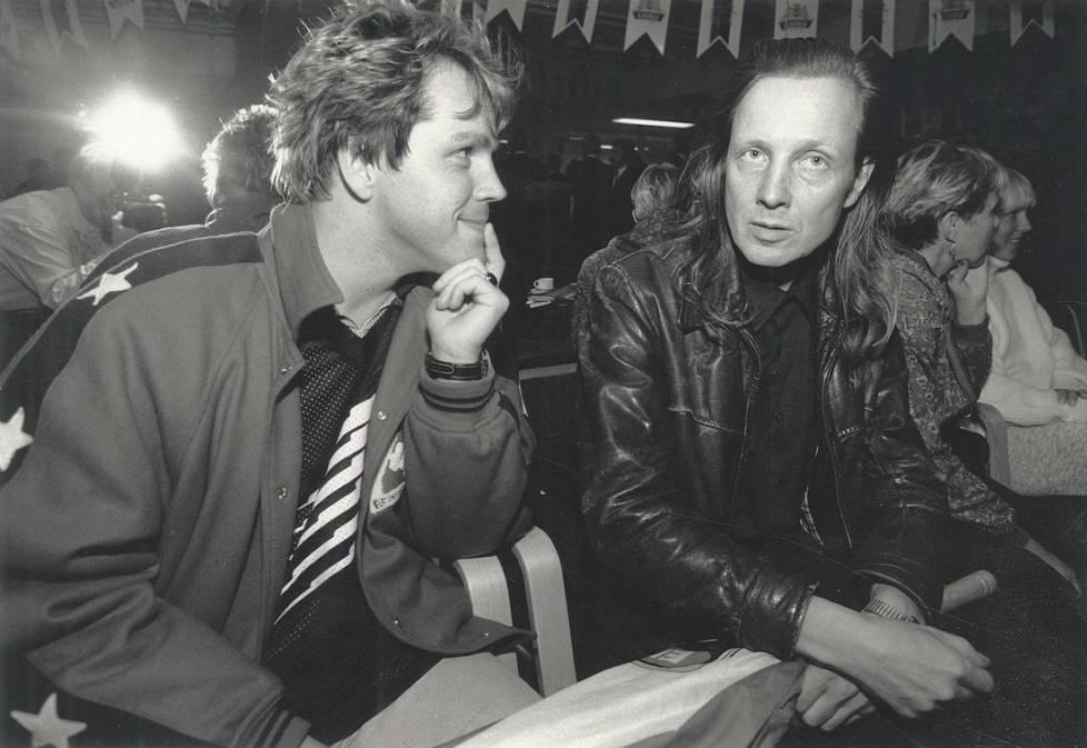 Dingon laulaja Neumann ja Pave Maijanen kuvattuna vuonna 1991.
