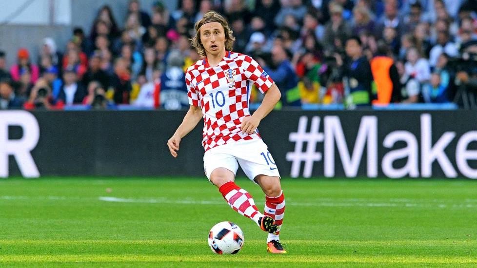 Luka Modric on taistellut tiensä Jugoslavian pommitusten keskeltä monien mielestä maailman parhaaksi keskikenttäpelaajaksi.