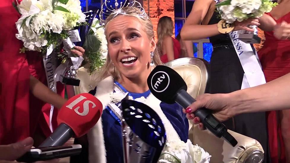 Miss Universe suku puoli video