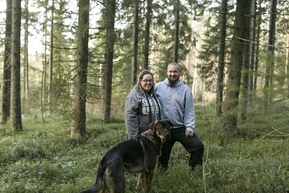 Toni Vihavainen elää nykyään rauhallista maalaiselämää avovaimonsa Matilda Kudinoffin ja Hugo-koiran kanssa. Naimisiin parin on tarkoitus mennä vielä tämän vuoden puolella.