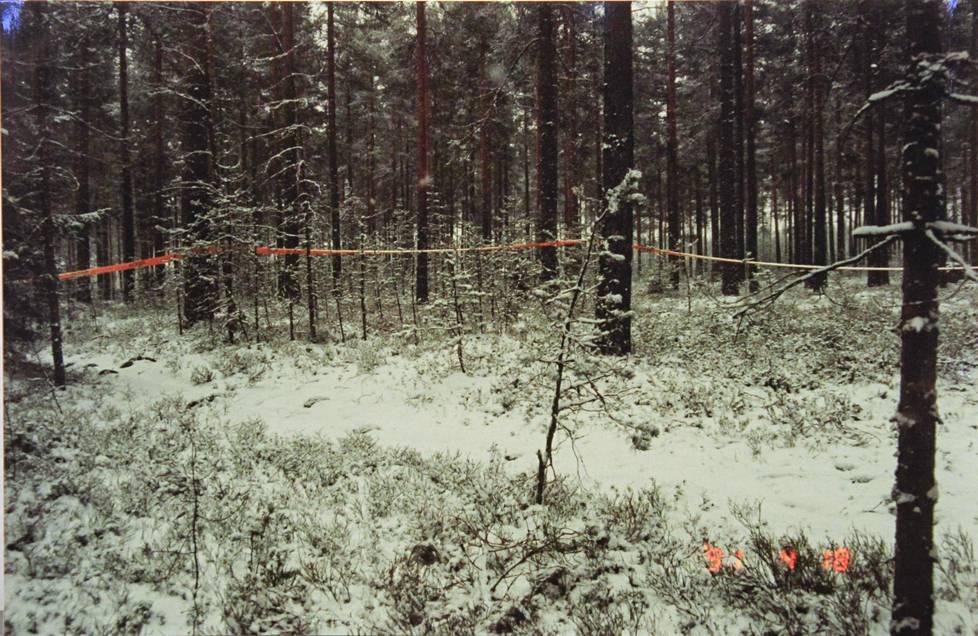 Poliisin kuva tutkintapaikalta on otettu 18. huhtikuuta 1991.