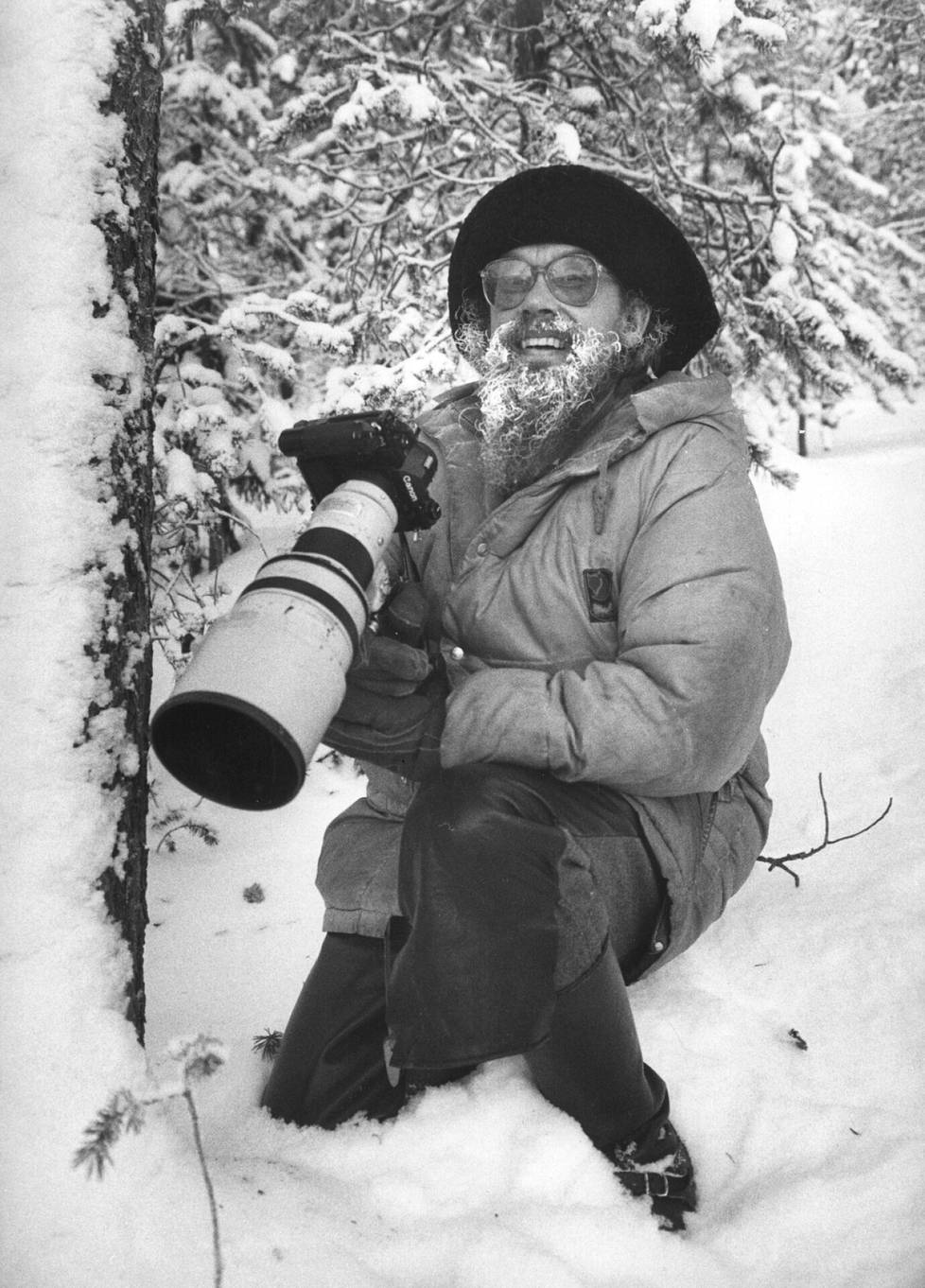 Hannu Hautala kuvaustöissä talvella 1983.
