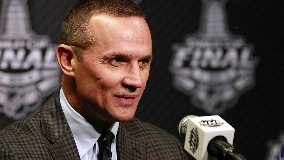 Steven Yzerman on Tampa Bay Lightningin GM.