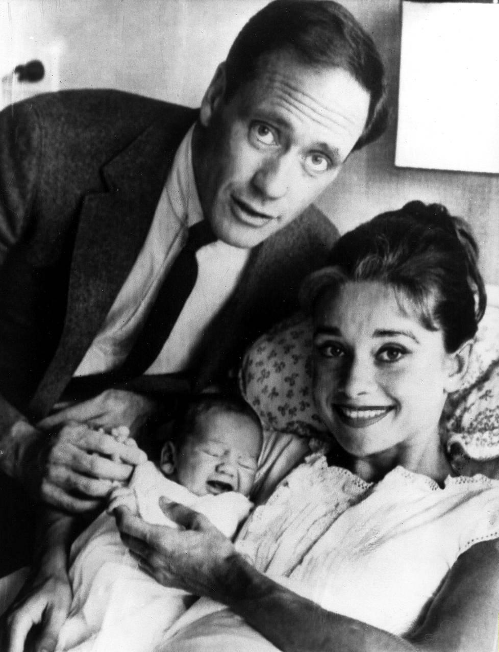 Lukuisten keskenmenojen jälkeen Audrey Hepburn synnytti vihdoin Sean-pojan 1960. Liitto Seanin isän Mel Ferrerin kanssa kesti 14 vuotta.