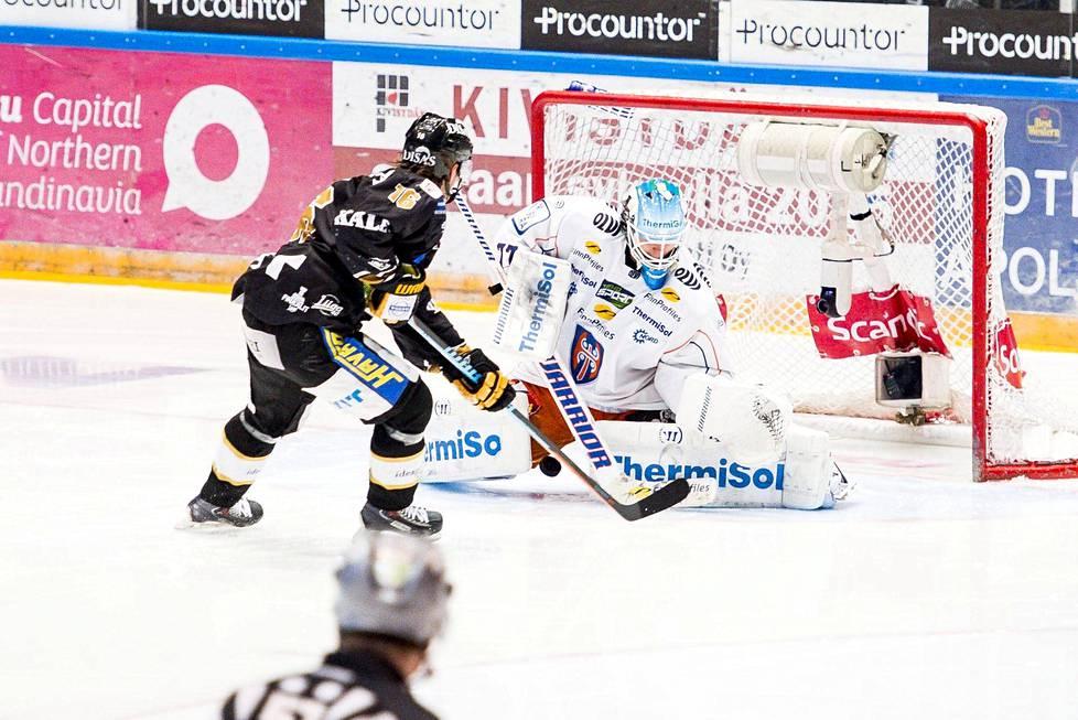 Sebastian Aho teki voittomaalin jääkiekon Liigan finaalisarjan seitsemännessä ja ratkaisevassa ottelussa Tapparaa vastaan.