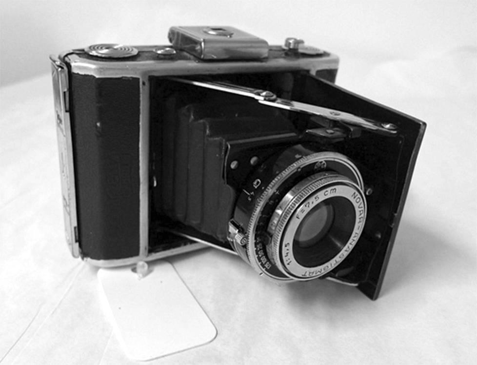Kamera, jolla Skrovina otti teloituskuvan. Hän lahjoitti sen Bratislavan juutalaismuseolle.