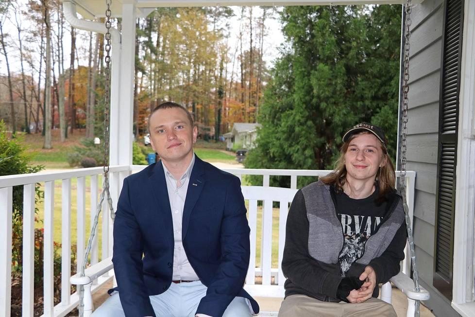Jani Virtanen ja Patrik Niiranen kuuluvat politiikassa eri leireihin.