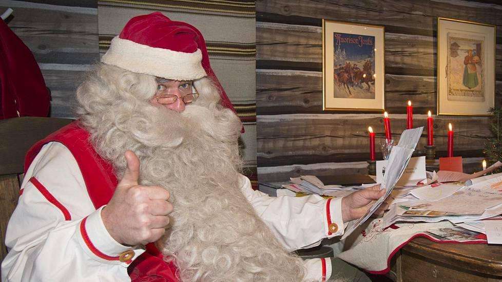 Mitä haluat kysyä joulupukilta? Lähetä kysymyksesi Ilta-Sanomien verkkosivuilla, niin valkoparta vastaa parhaimpiin ISTV:n joulupukin kyselytunnilla