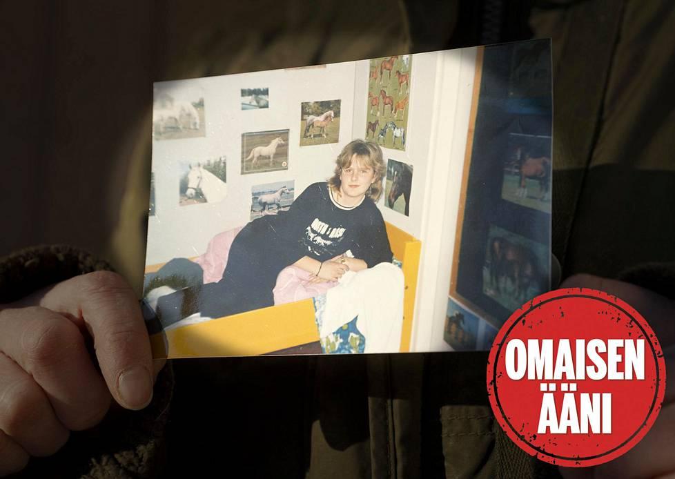 Kristiina Liinaharja menetti siskonsa tuntemattoman surmaajan käsiin. Rikos on ollut pimeänä 33 vuotta. Omaisen ääni -juttusarjassa puhuvat rikosten uhrien omaiset.